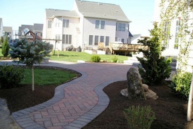 Five Reasons Why You Need Driveway Pavers | Rockville, MD