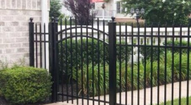 How to Prevent Rusting on Black Gates and Fences | Centreville VA