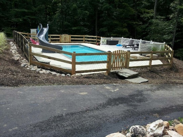 Two Reasons Why You Should Install A Pool Fence | Woodbridge, VA