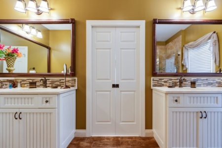 Moen Mirrorscape Blends Traditional and Modern Bathroom Designs