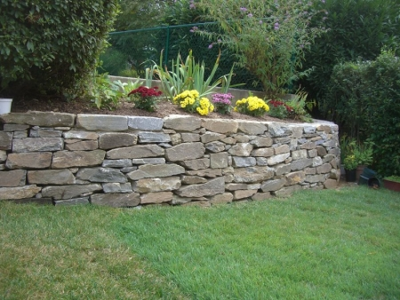 The Decorative Possibilities for the Functional Retaining Wall | Potomac MD