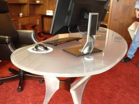 Why a Glass Top Desk is an Excellent Choice for Your Home Office | Germantown, MD